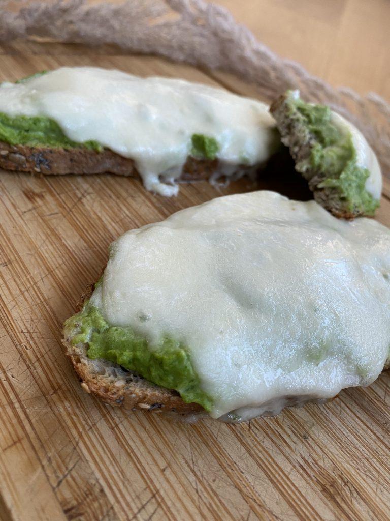 Tartines brocolis mozzarella