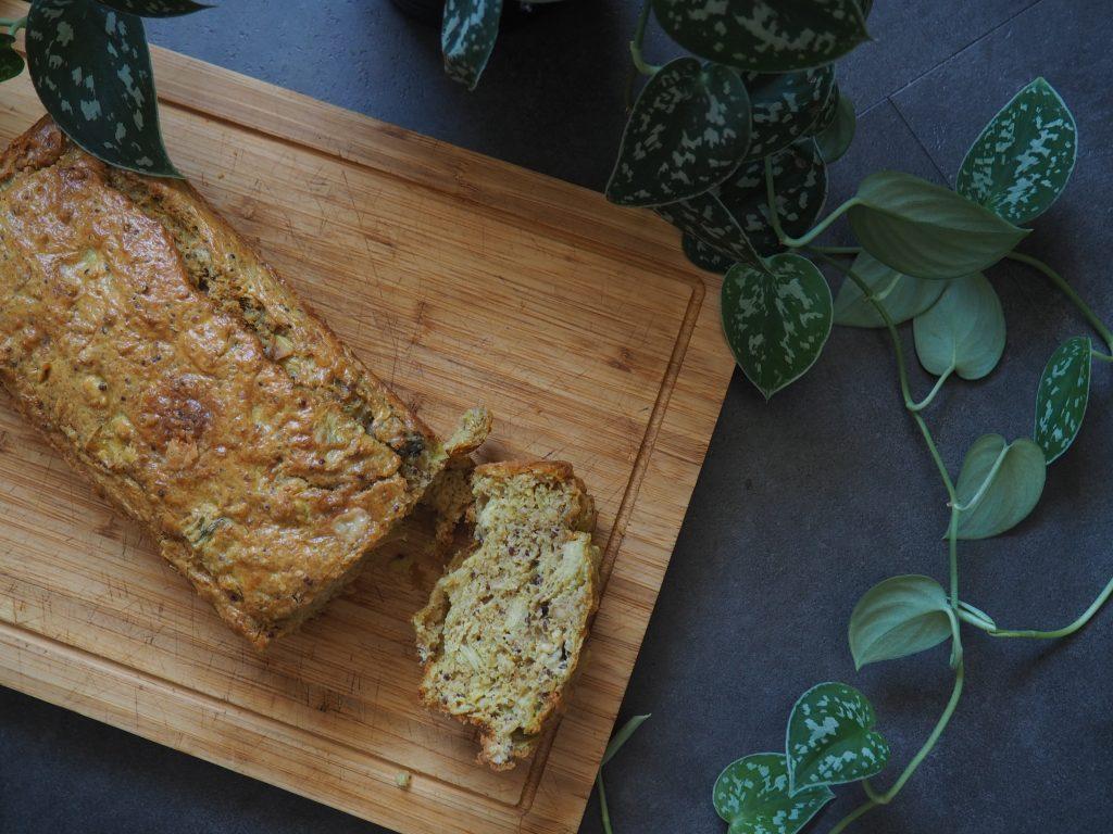 Cake quinoa, roquefort et artichaut