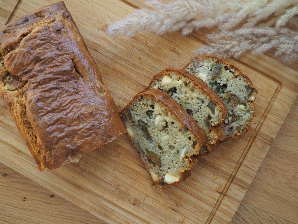 Cake aux figues, chèvre et noix